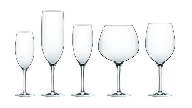 What`s the science behind wine glass shapes? photo