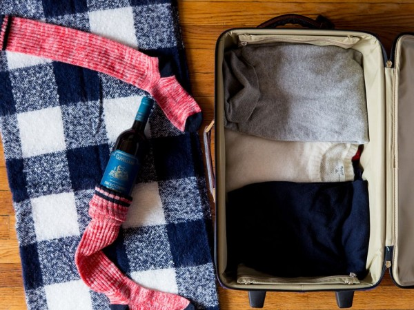 How to Pack Wine in Your Suitcase photo
