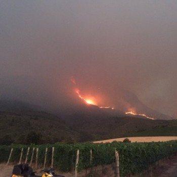 Major Fire Poses Threat To Stellenbosch Vineyards photo