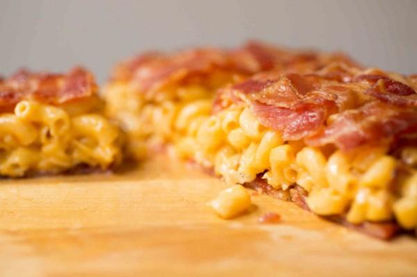 This Bacon Mac n Cheese Quesadilla will fulfill all your cheesy fantasties photo