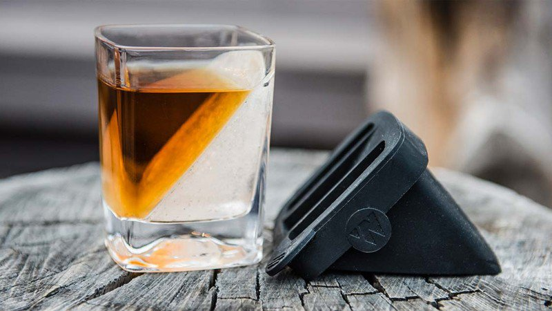 Corkcicle Whiskey Wedge photo