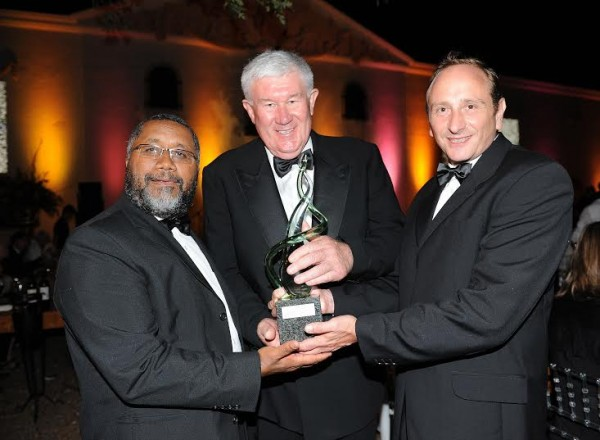 South African Wine Industry Honours Danie de Wet with 1659 Award photo