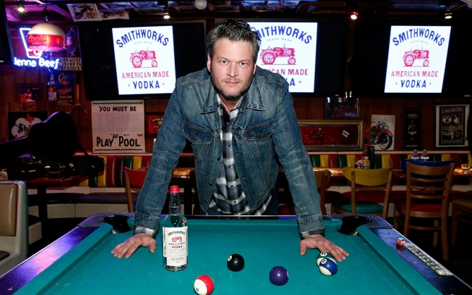 blake shelton vodka 1k 11 Celebrity Vodkas to enjoy on Vodka Day