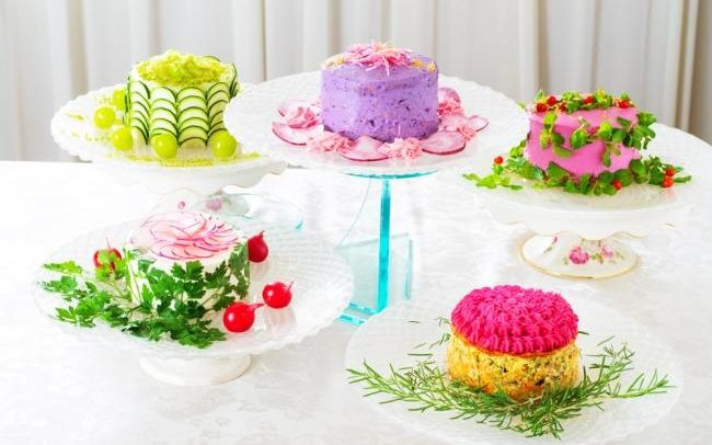 Salad cakes are the latest weird food craze in Japan photo