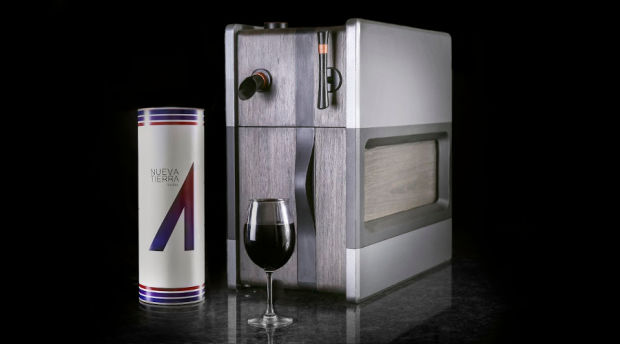This Brainy Wine Dispenser Pours Perfectly and Learns What You Like photo