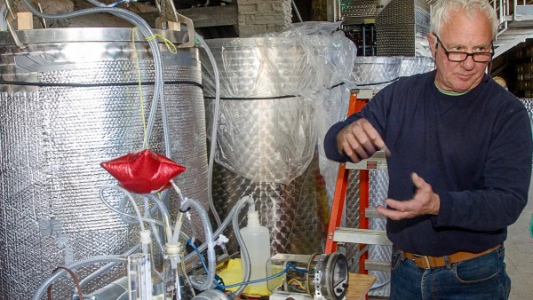Amateur winemaker's new filter makes white wine smell better photo