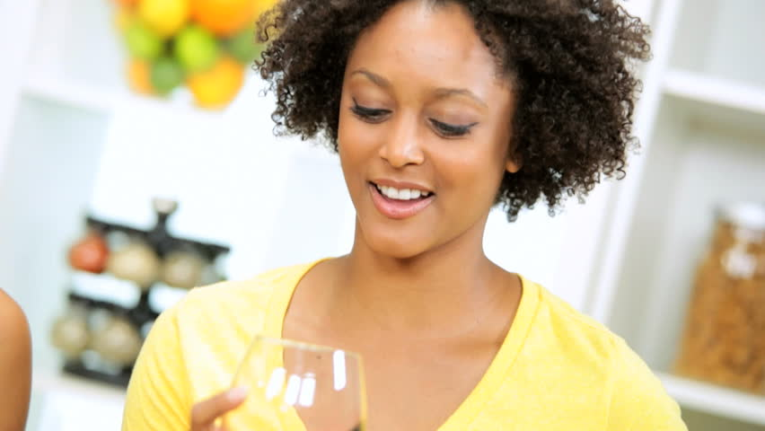 Cleverest women are the heaviest drinkers photo