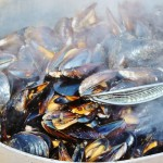 How to make fragrant mussels in a pot photo