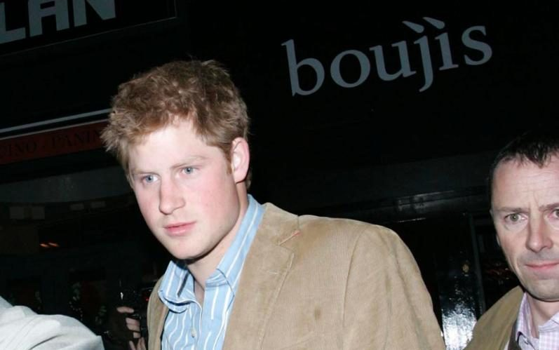 Prince William and Harry's favourite nightclub found trying to pass off £10 Prosecco as £360 Dom Perignon champagne  photo