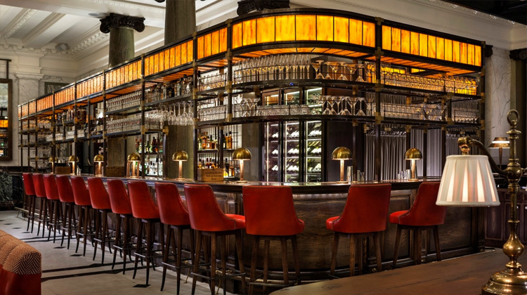 London`s biggest gin bar is open for business photo