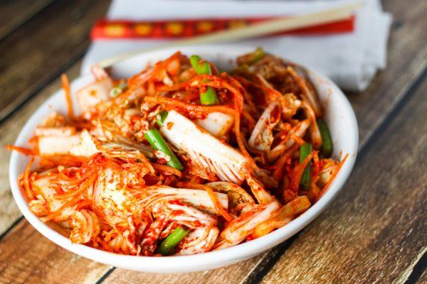 How To Enjoy Wine With Chili, Garlic and Kimchi photo