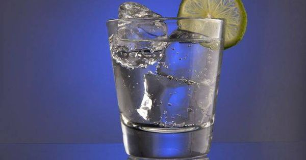 What's the difference between club soda, seltzer water and tonic water? photo