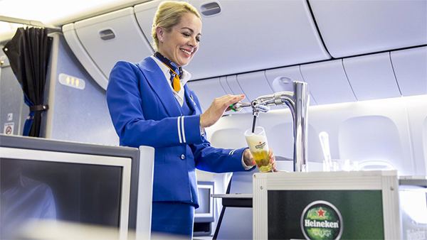 KLM is launching the world`s first in-flight draft beer service photo