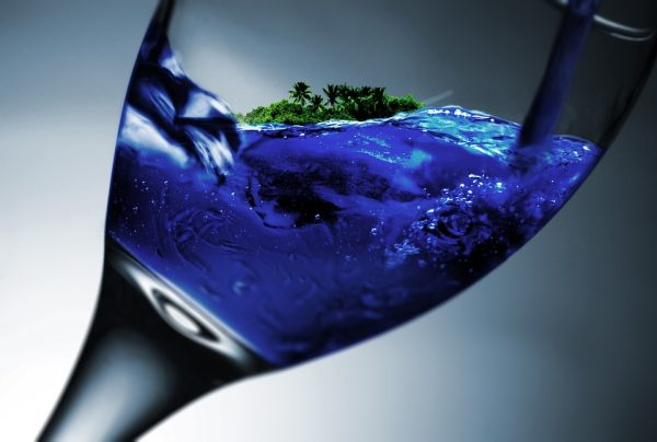 How does a wine's colour affect what we think of its flavour? photo