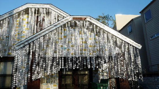 Beer Can House gruntzooki4 e1475601348409 Over 50 000 cans were used to build the Beer Can House