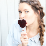 How to make Red Wine Lollipops that look like lips photo