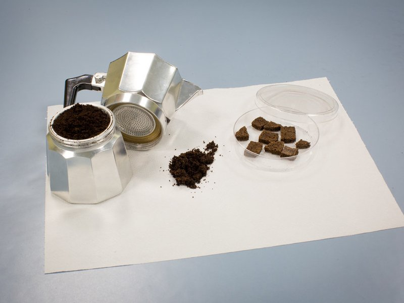 How to Clean Water With Old Coffee Grounds photo