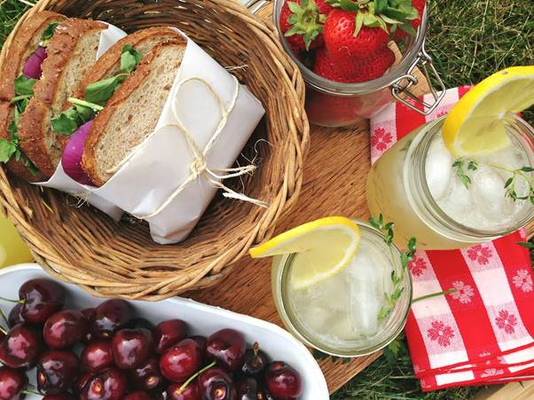 Celebrate Spring with a gourmet picnic in Stellenbosch photo