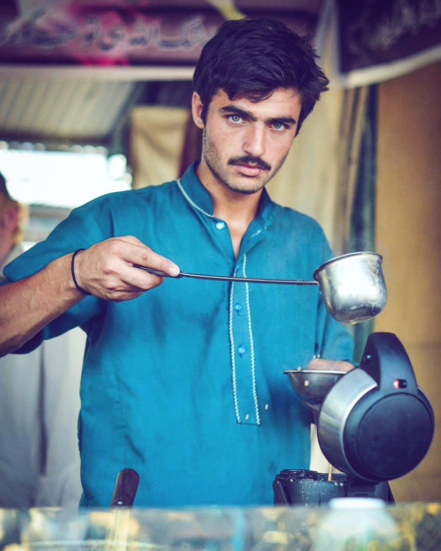 This Tea Guy Is Too Hot For The Internet To Handle Right Now photo