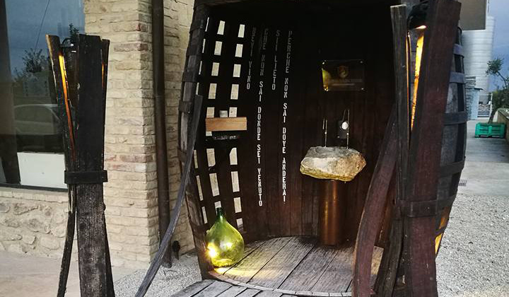 The first Wine Fountain just opened in Italy and it`s free! photo