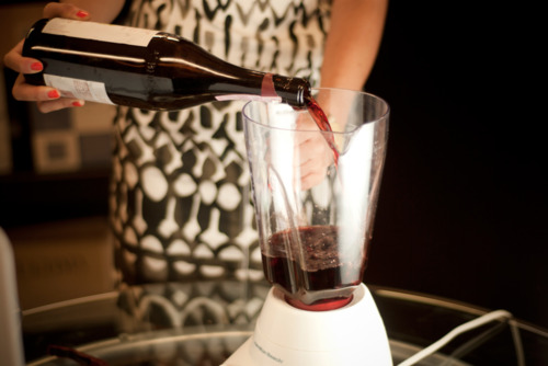 How to transform a cheap bottle of wine into an expensive vintage in only 30 seconds photo