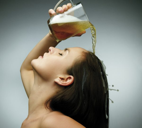 How beer can strengthen your natural hair photo