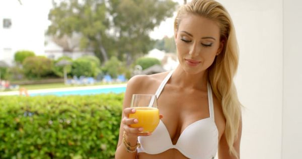 Super foods and drinks to add to your diet for bikini season photo