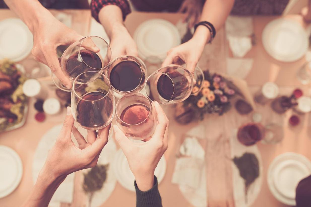 Why wine gives you a headache and how to avoid it photo