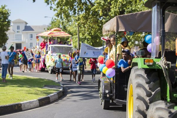 Stellenbosch Harvest Parade brings fanfare to City of Oaks photo