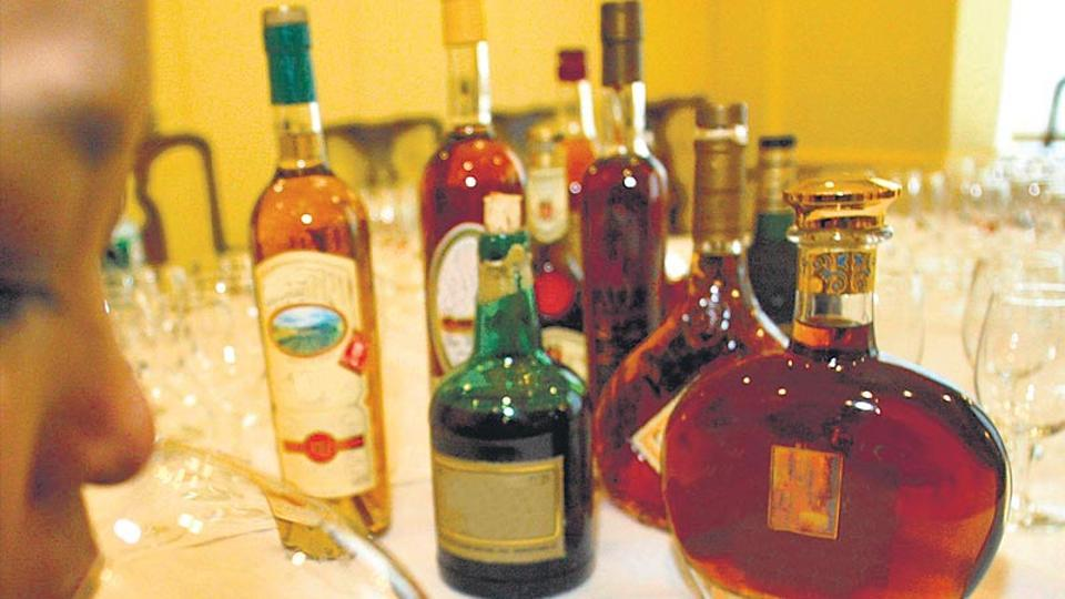 Kerala high court says boozing not a fundamental right photo