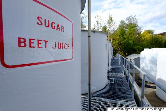 Beet Juice is keeping Canadian Municipalities ice-free photo