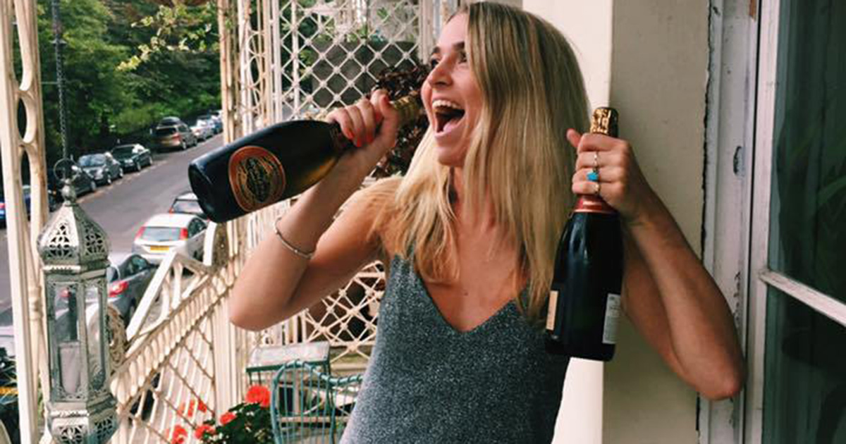 Women who drink more are smarter, according to drunk experts photo