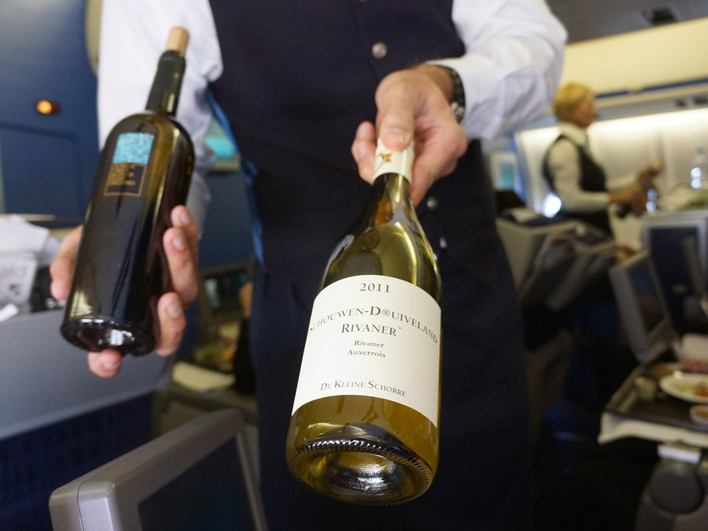 These 5 Airlines Have the All-Time Best Wine Lists photo