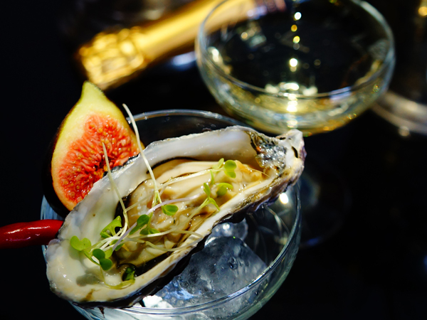 Review: Pop Champagne Bar In Greenside photo