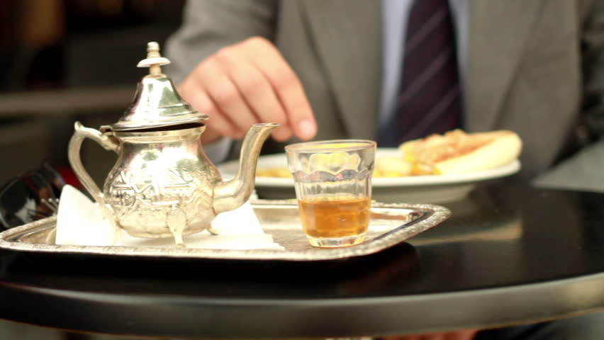 Premium tea replaces wine as businessmen`s drink of choice photo