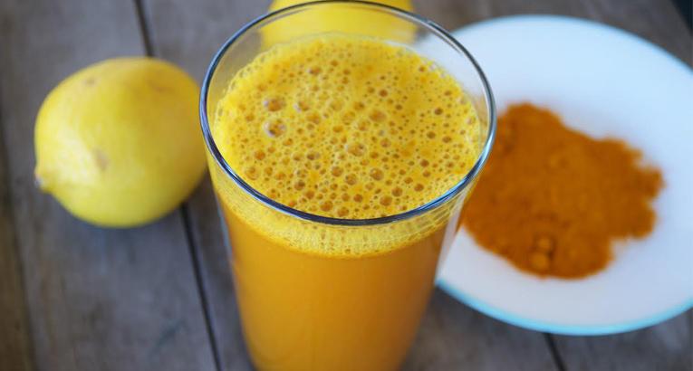 Turmeric Lemonade That Treats Depression Better Than Prozac photo
