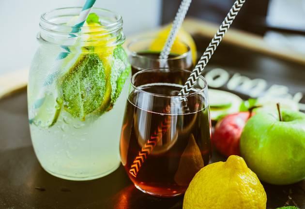 Bubbly Kombucha Tea's Health Benefits Are Making It The Celeb Sip Of Choice photo