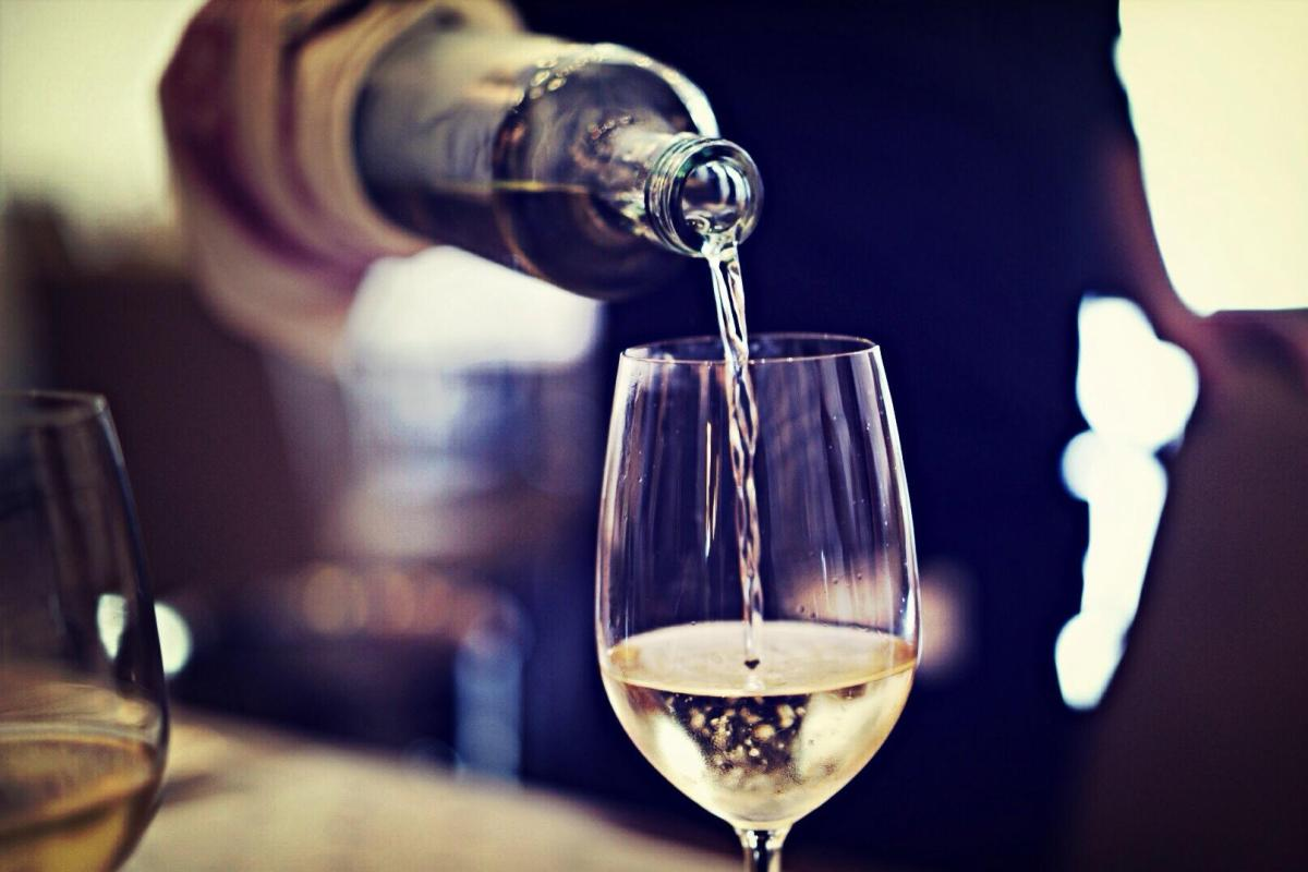 This Is Why You Should Order The Cheapest Bottle Of Wine On The Menu photo