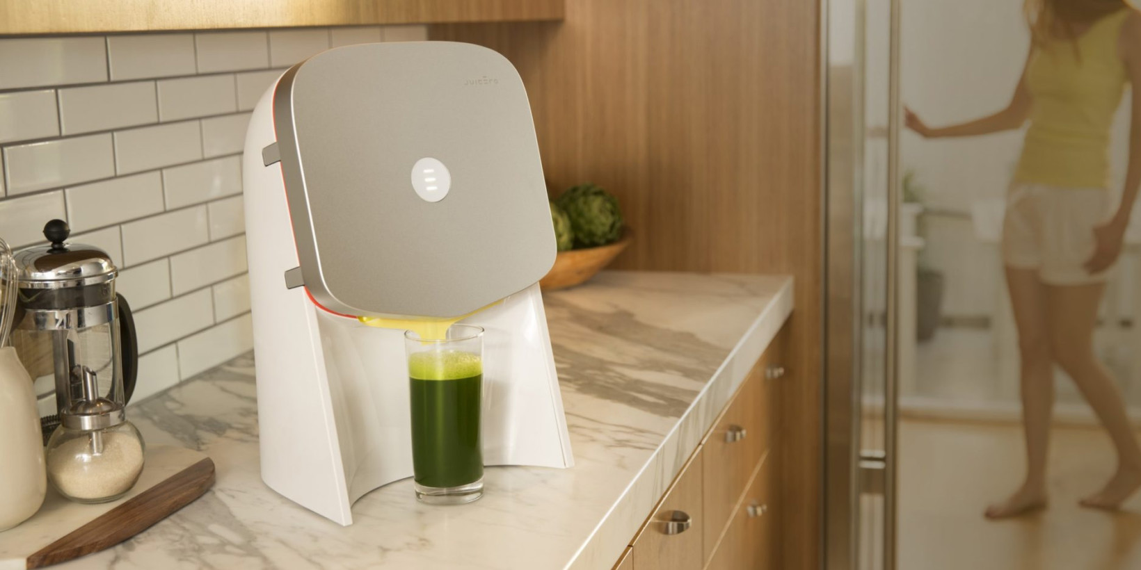 This $400 Juicer That Does Nothing But Squeeze Juice Packs Is Peak Silicon Valley photo