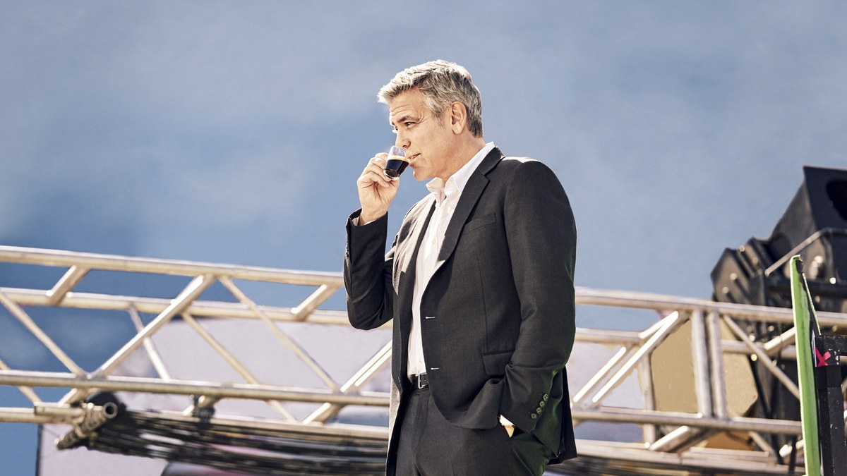George Clooney Drinks Four Cups Of Coffee A Day photo