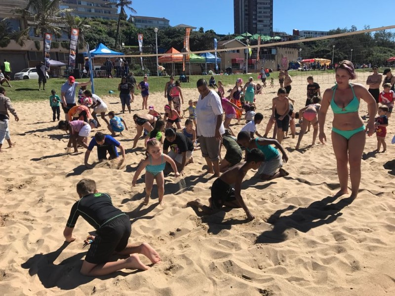Holidaymakers And Locals Soak Up Amanzimtoti's Beauty photo