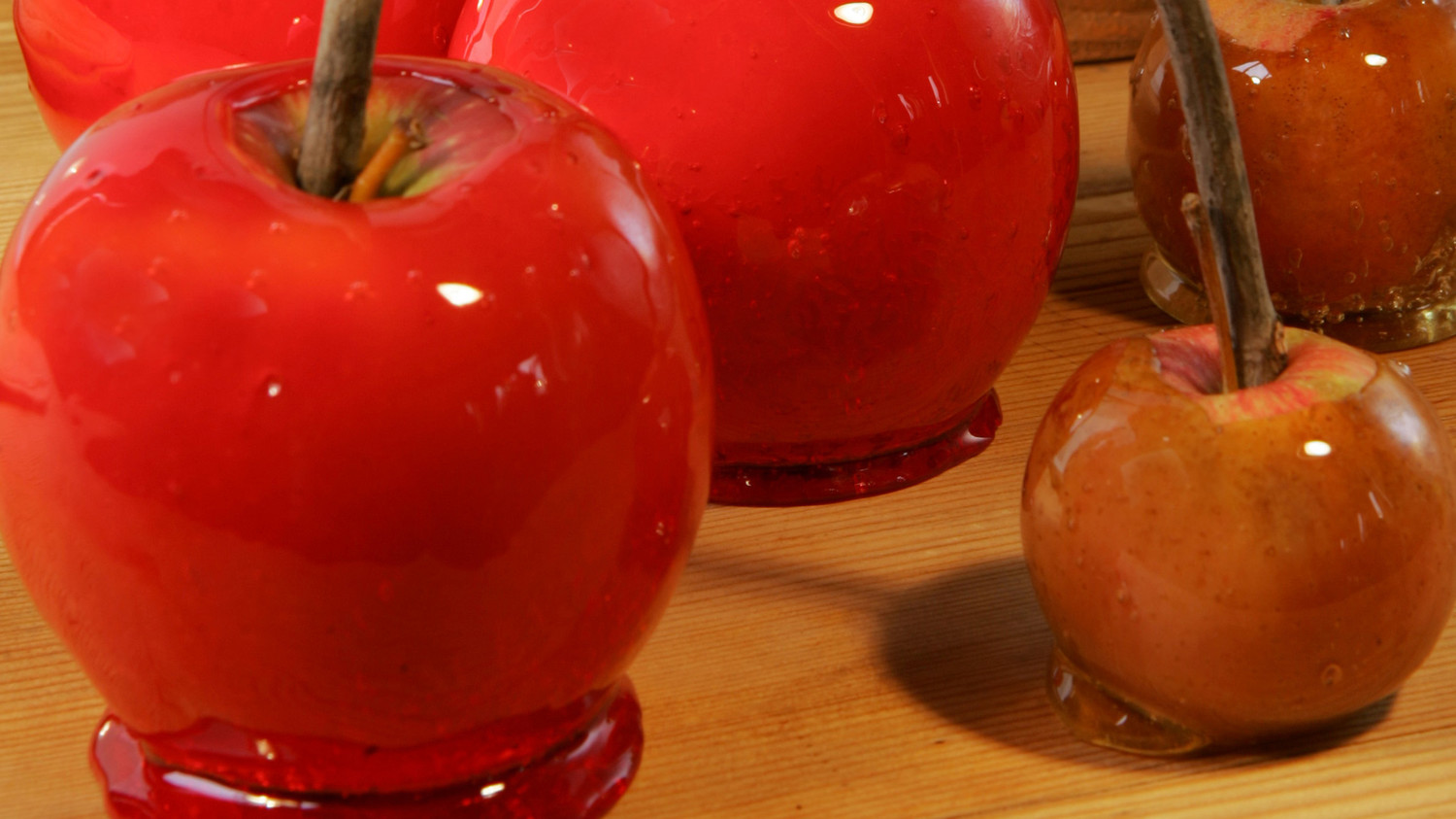 Make Your Own Candy Apples photo