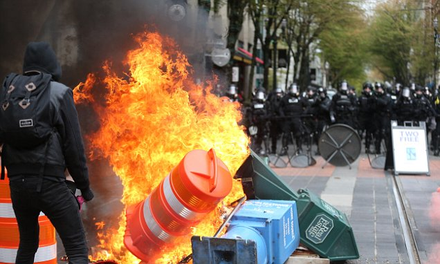 Portland Protesters Pelted Police With Cans Of Pepsi photo