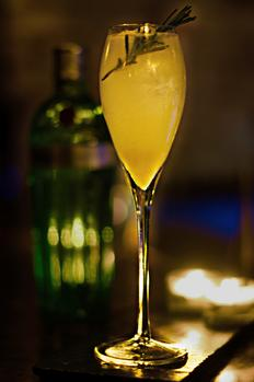 #wintercocktails: Champagne And Gin Winter Cocktail- Recipe photo