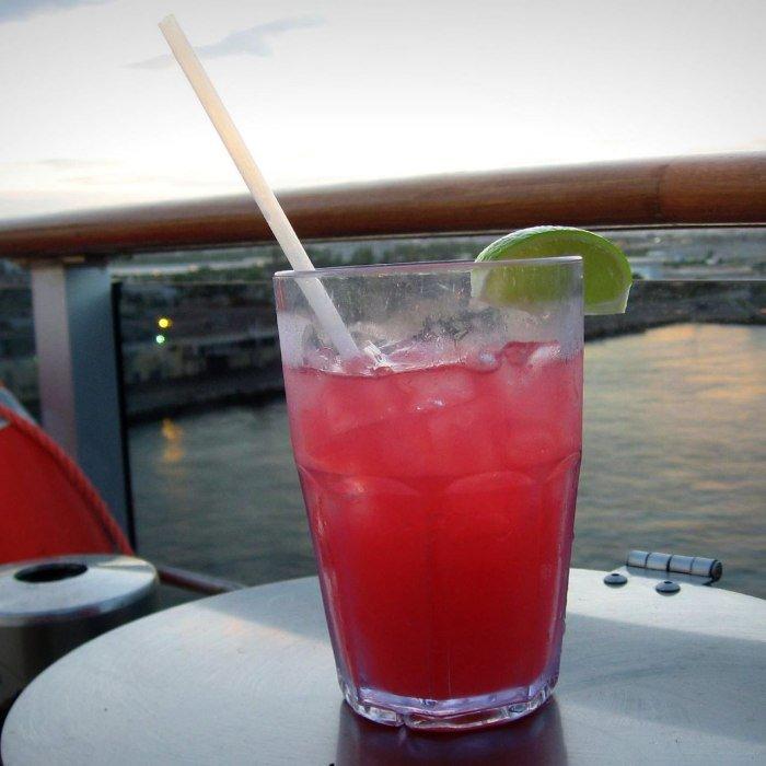 Sea breeze Cocktail photo