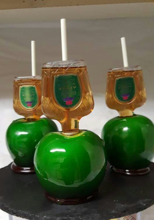 Michelle Jones Drunken Candy Apples Are The Latest Treat Every Adult Deserves