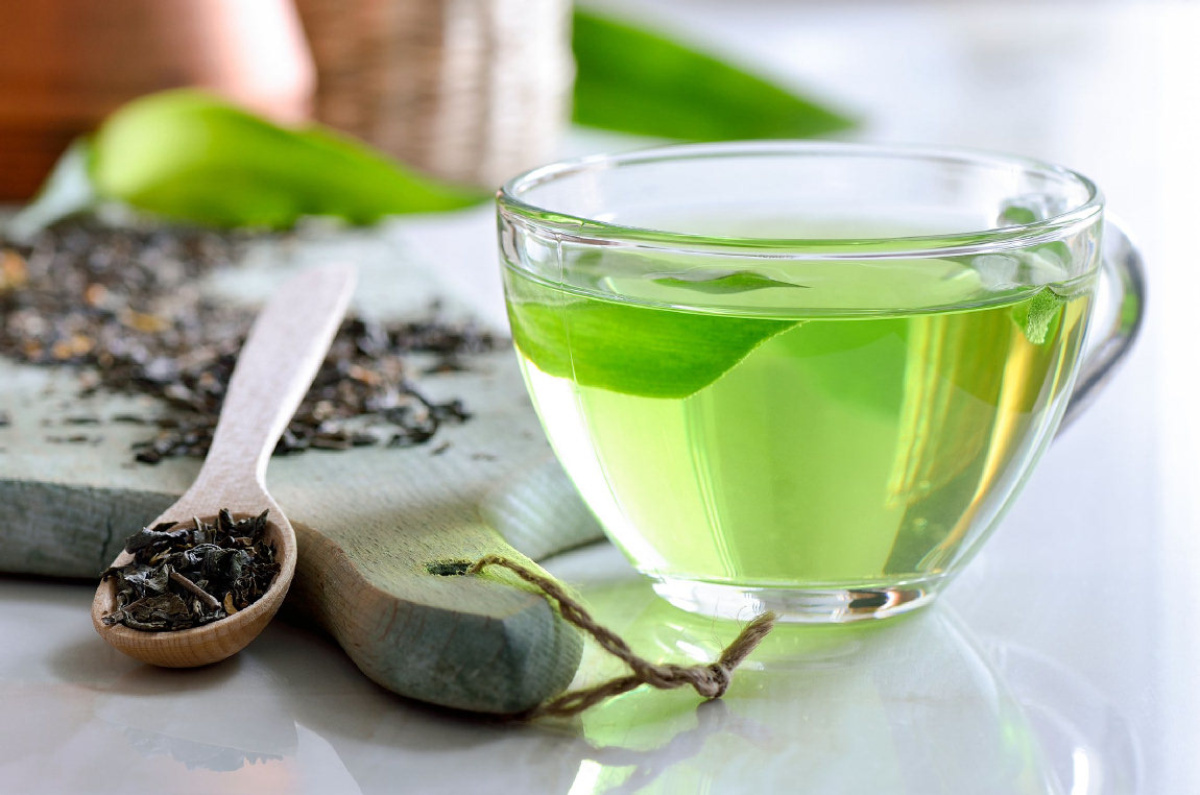 green tea The Best Drinks To Enjoy With Your IQOS Device
