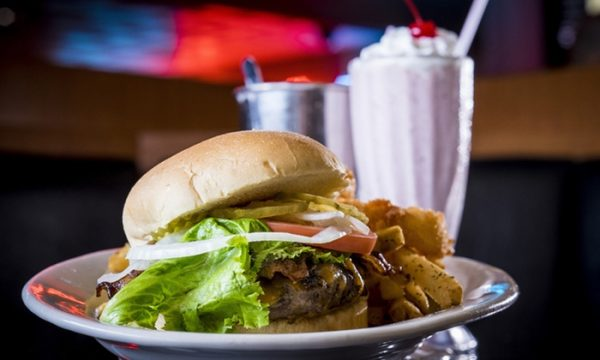 milkshake burger e1495904904320 The History Of The Hamburger And What To Drink With It