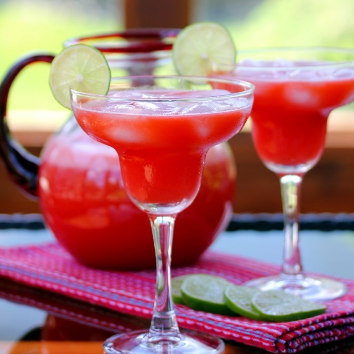 How To Make A Strawberry Margarita Cocktail From Scratch photo