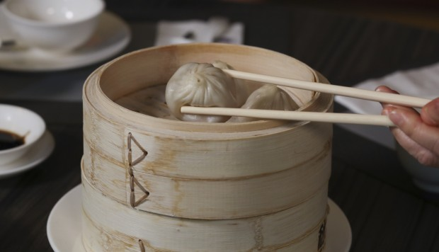 How To Eat Xiaolongbao: A Foolproof Guide To Eating Soup Dumplings Correctly photo